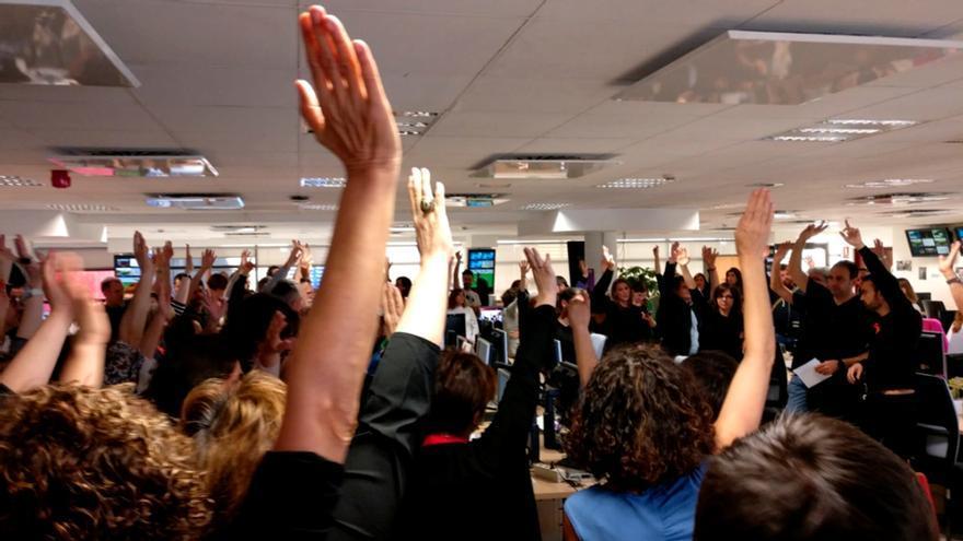 Protestas de trabajadores de RTVE ante el bloqueo del PP a la renovación