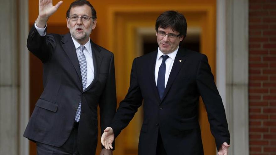 Rajoy y Puigdemont se vieron en Moncloa en enero, según La Vanguardia