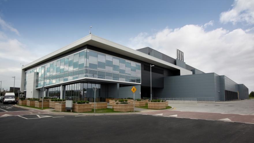 El centro de datos de Microsoft en Dublín, los europeos podrán elegir que sus datos se almacenen en éste, en lugar de en Estados Unidos