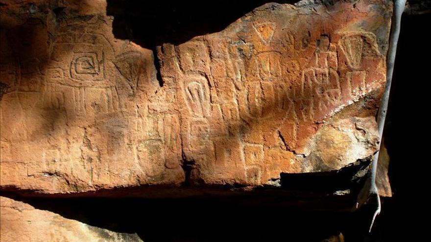 Descubren petrograbados milenarios en el occidente de México
