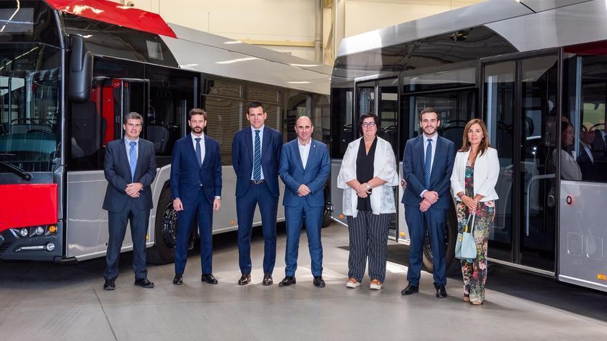 Ayerdi visita en Polonia la factoría de Solaris Bus & Coach, en la que se integra la empresa Vectia de Castejón