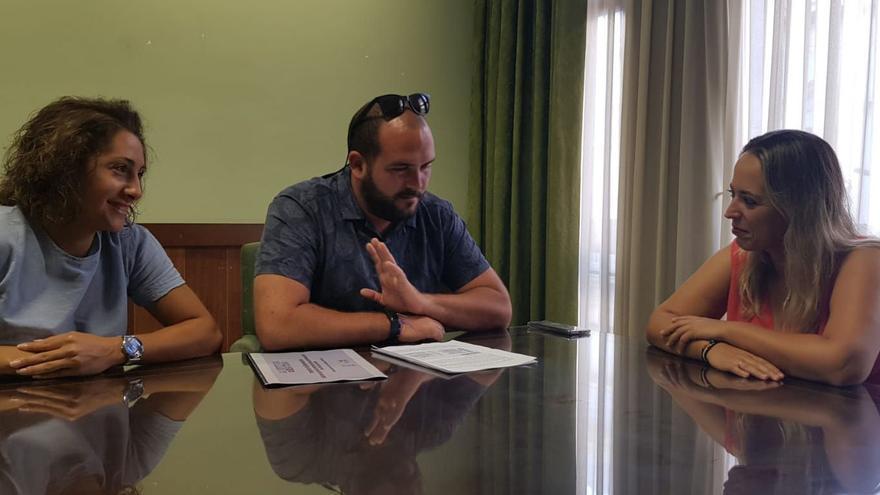 Reunión de Susana Machín con los responsables de Seroja Cultura.