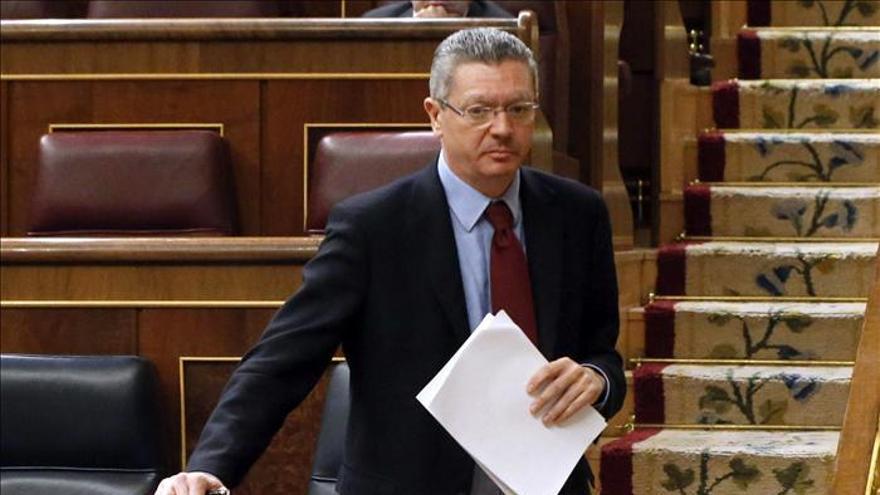 """Gallardón afirma que el Rey Juan Carlos """"renunció a todo para dárselo al pueblo español"""""""