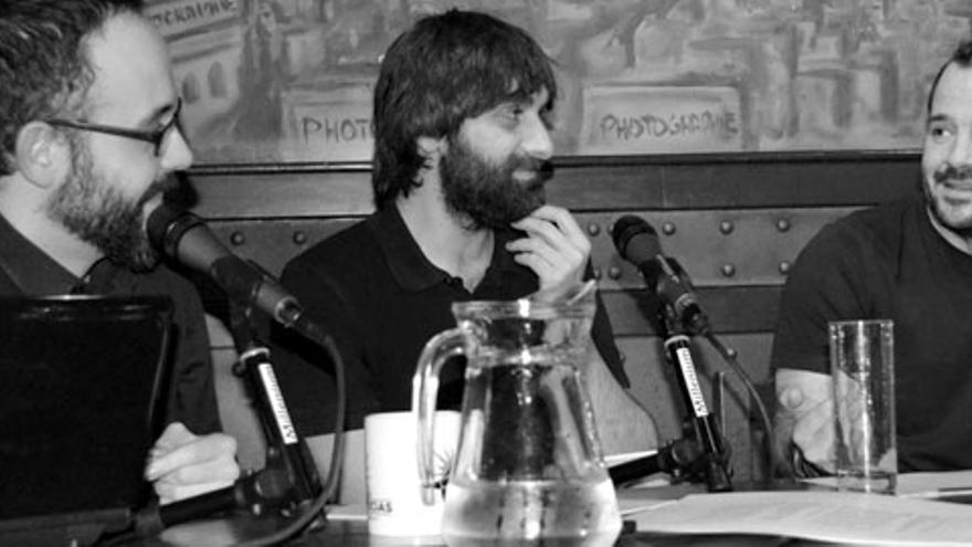Ángel Martín frente a Miguel Anómalo y Carlos Langa en 'Lo de las noticias'