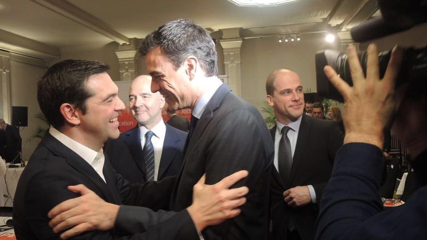 ¿Cuánto mide Alexis Tsipras? - Real height Tsipras-intercedera-Iglesias-Sanchez-Gobierno_EDIIMA20160317_0791_5