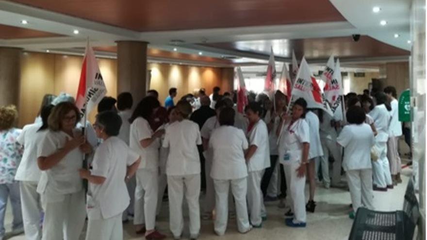 Concentración del personal médico del Hospital General de Castellón el pasado miércoles. Fte: Intersindical Salut Castelló.