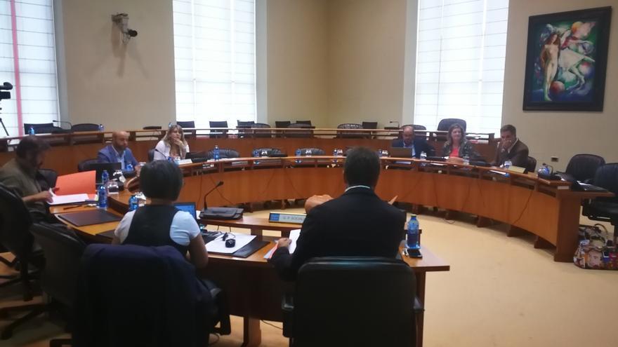 El Parlamento gallego pide al Gobierno que garantice la custodia compartida al cesar la convivencia de los progenitores