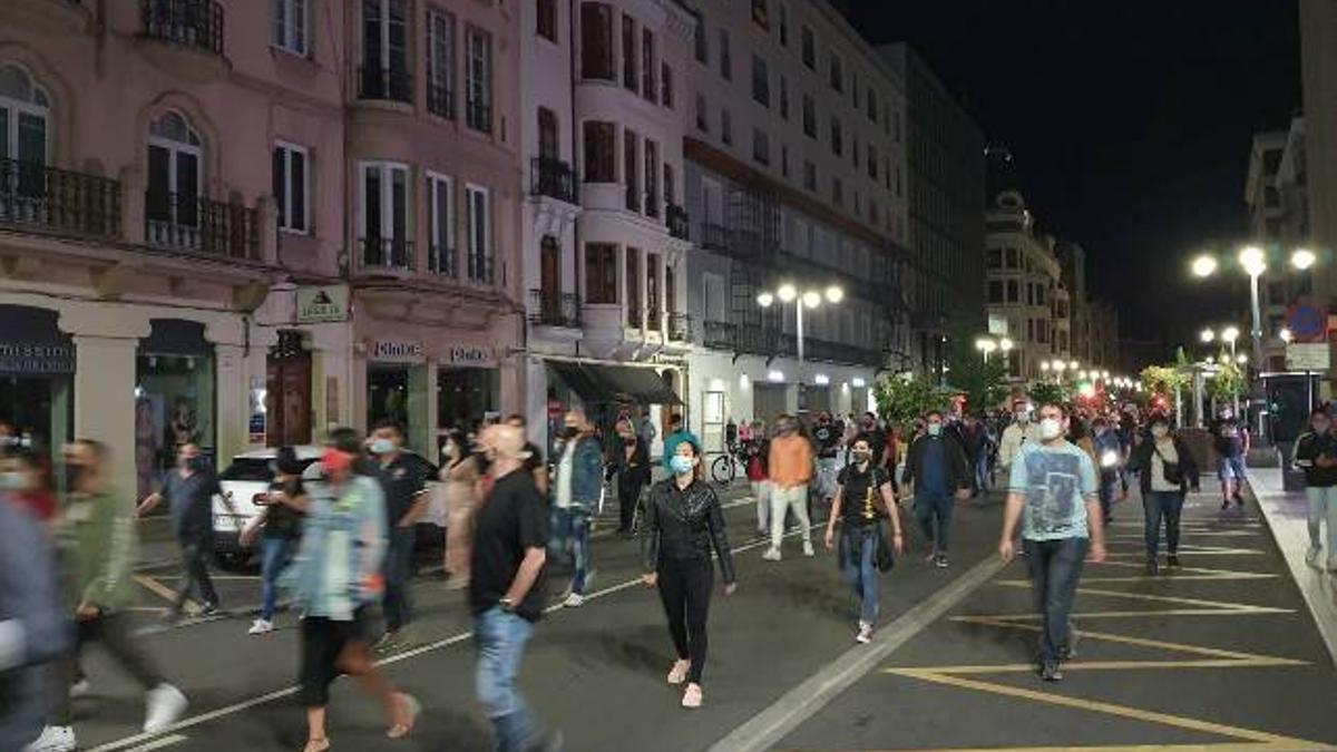 Manifestación en contra del cierre del ocio nocturno en León.