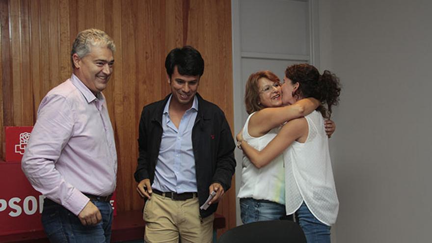 José Juan Cruz, Marcos Bergas y otras dos consejeras del PSOE (De la Cruz)