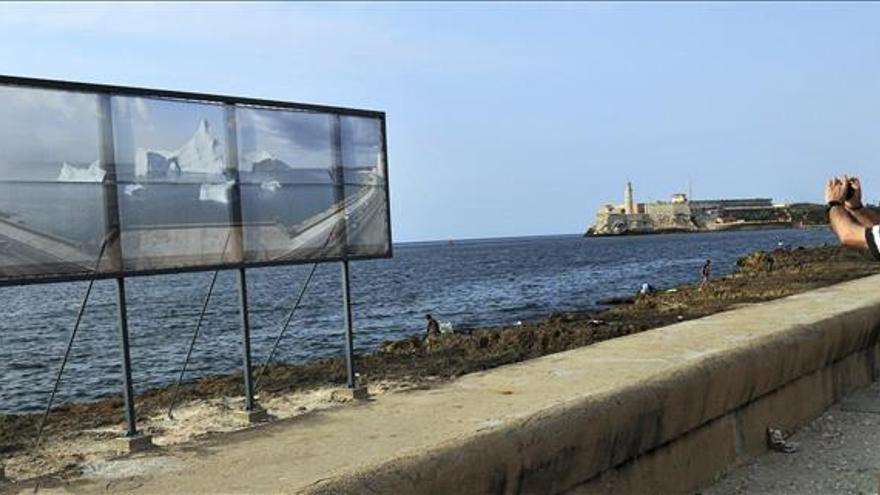 Unos 300 artistas y curadores de 45 países desembarcan en Bienal de La Habana