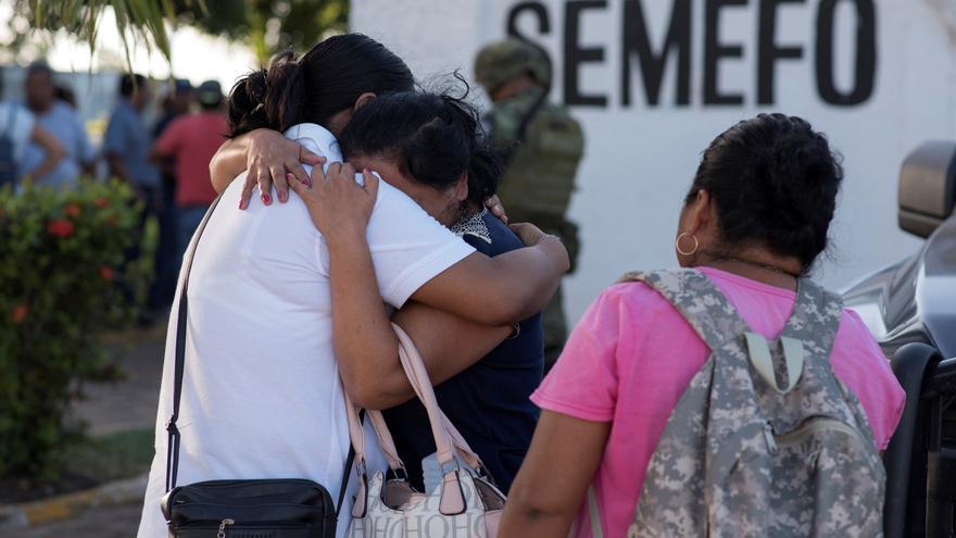 Sicarios asesinan a cinco hombres y los apilan en el oeste mexicano