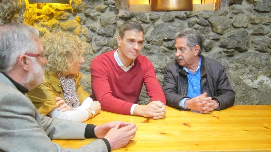Revilla dice que Ferraz le ha garantizado la estabilidad del Gobierno bipartito PRC-PSOE