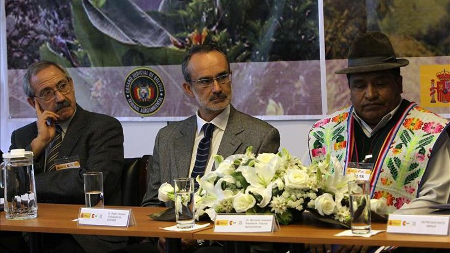 Juristas de Bolivia y España dialogan sobre derecho medioambiental en La Paz