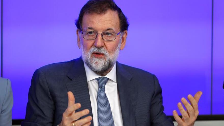 Rajoy llega a sede del PP para seguir el resultado de los comicios catalanes