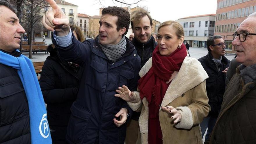 Cifuentes cree que el PSOE no sabe gestionar y C's es un partido unipersonal