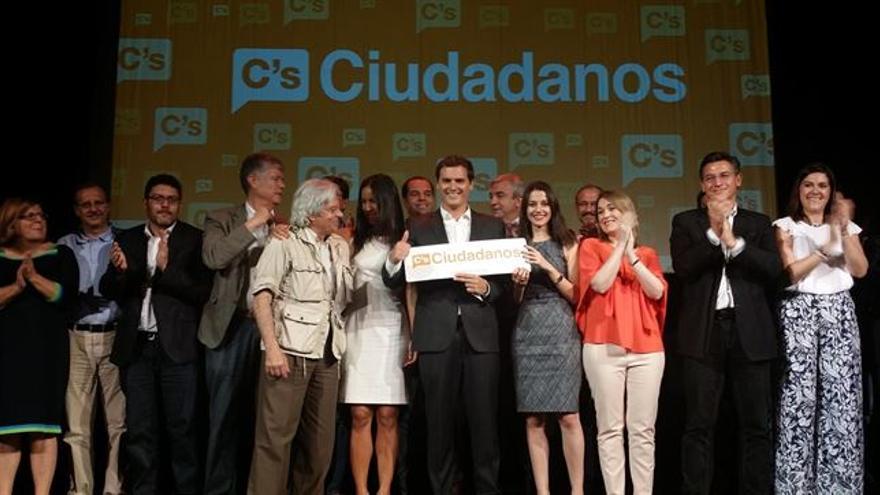 Albert Rivera se presenta como candidato a la presidencia en las elecciones generales, hoy en el teatro La Latina de Madrid. Foto: Ciudadanos