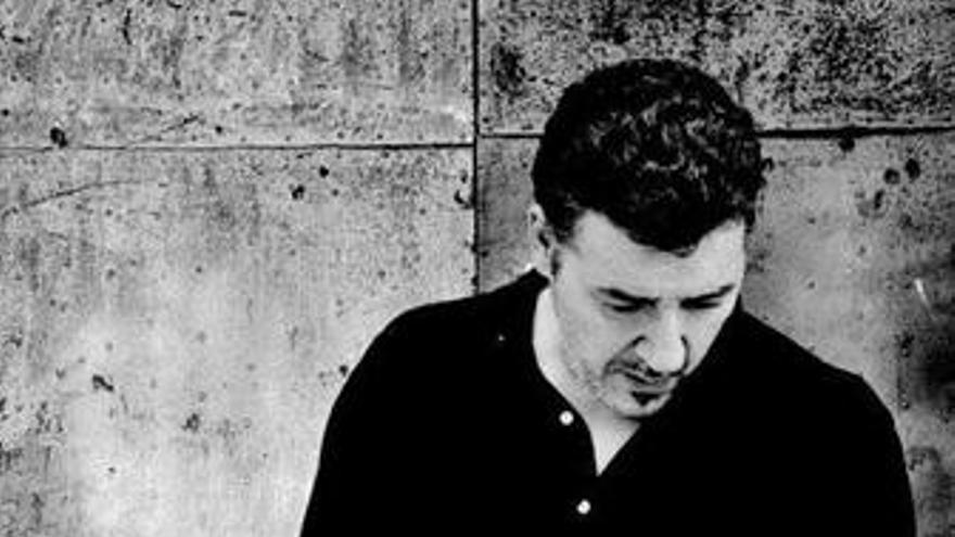 'Revólver... que veinte años no es nada', lo mejor de Carlos Goñi