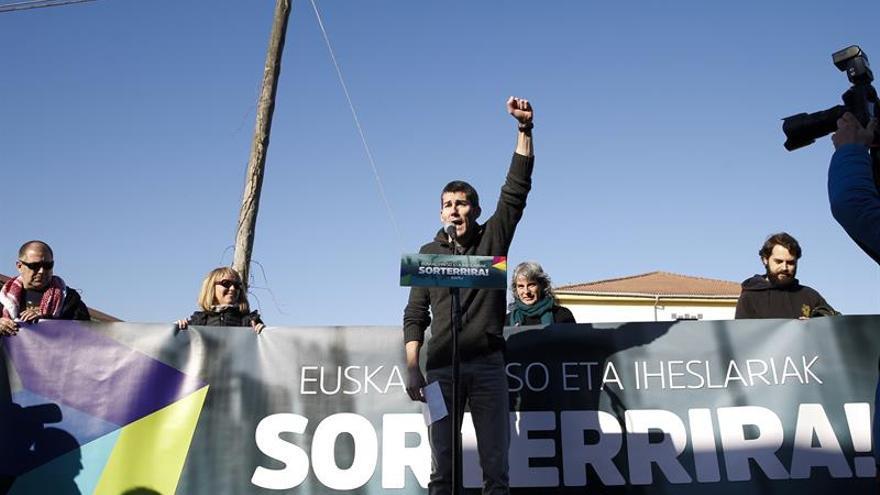 Sortu dice a Zoido que el terrorismo es seguir la retórica belicista tras 5 años