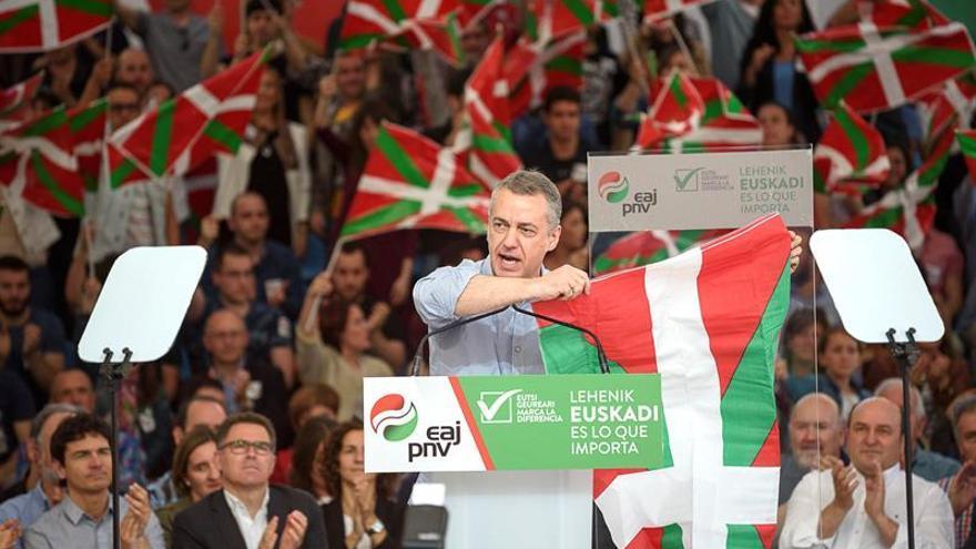 Los vascos ven más eficaz un acuerdo entre partidos que el desarme de ETA