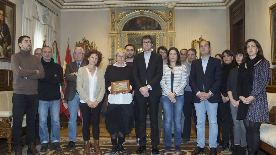 Vitoria homenajea a la familia de Francisco González Ruiz en el 34º aniversario de su asesinato por ETA