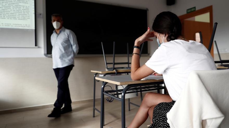Los alumnos de la ESO y Bachiller podrán pasar de curso con hasta dos suspensos
