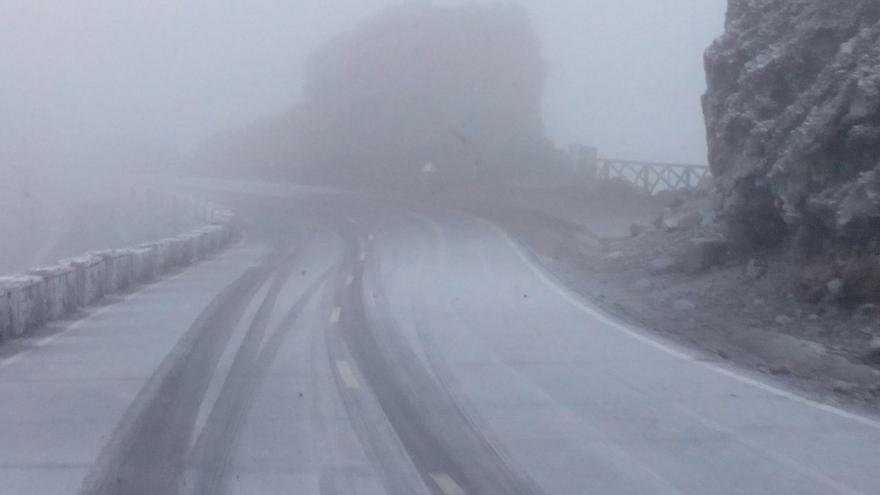 En la imagen, tramo de Los Andenes de la carretera el Roque de Los Muchachos, en la mañana de este lunes.