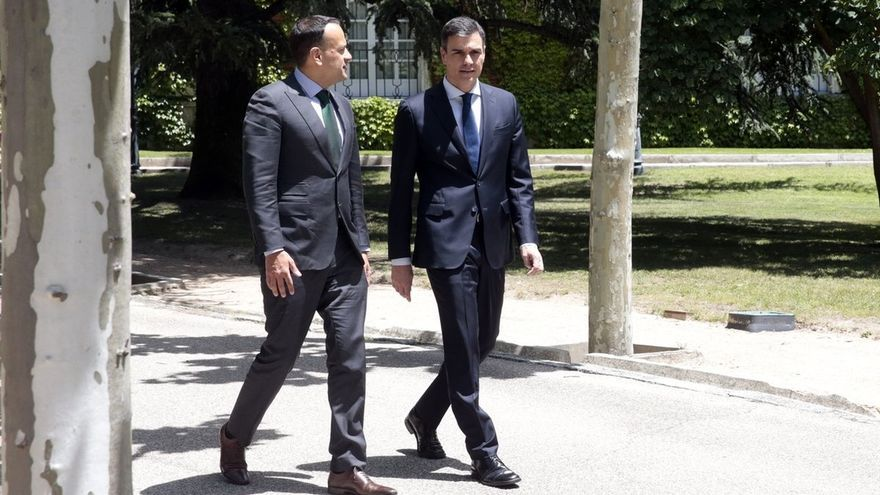 Sánchez relata al primer ministro irlandés la experiencia española en la gestión de la inmigración