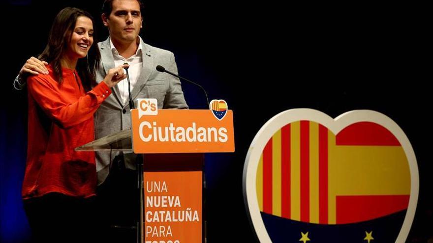 Arrimadas pide concentrar voto en C's para lanzar un mensaje de unidad al mundo