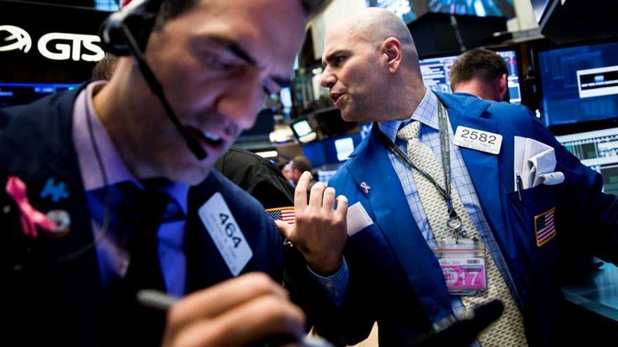 Wall Street abre con ganancias y el Dow Jones sube un 0,43 %