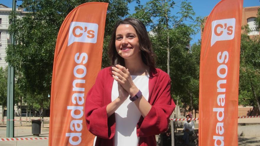 """Arrimadas (C's) pide al PSOE """"aclararse internamente"""" para poder formar Gobierno"""