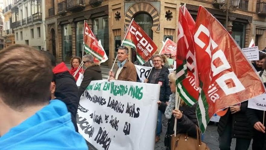 """Seguimiento """"mayoritario"""" de la huelga de intérpretes de lengua de signos en educación, según los sindicatos"""
