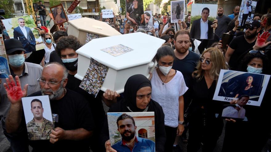 Varios heridos durante una protesta de las víctimas de la explosión en Beirut