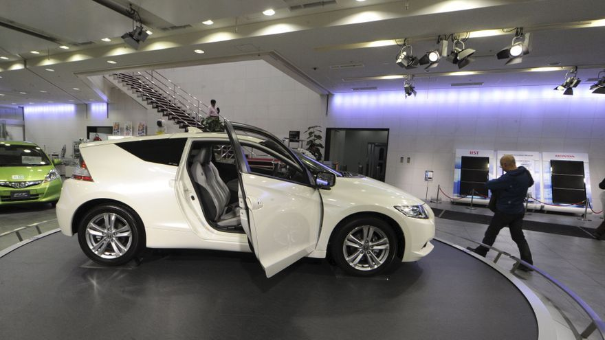 La subida del IVA no se ha traducido en un adelanto de compra de coches