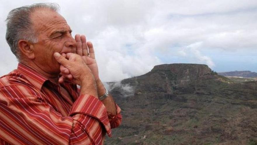 Lino Rodríguez, silbador gomero, en una imagen de archivo