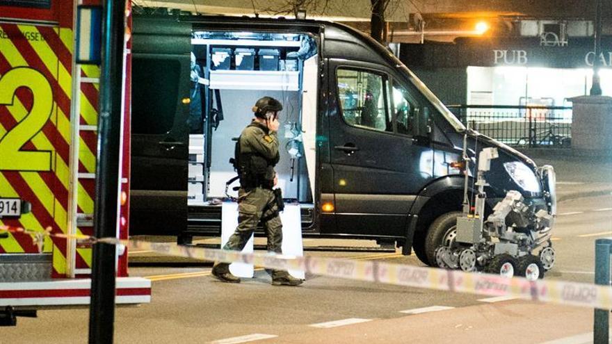 Policía noruega explosiona de forma controlada un objeto parecido a una bomba