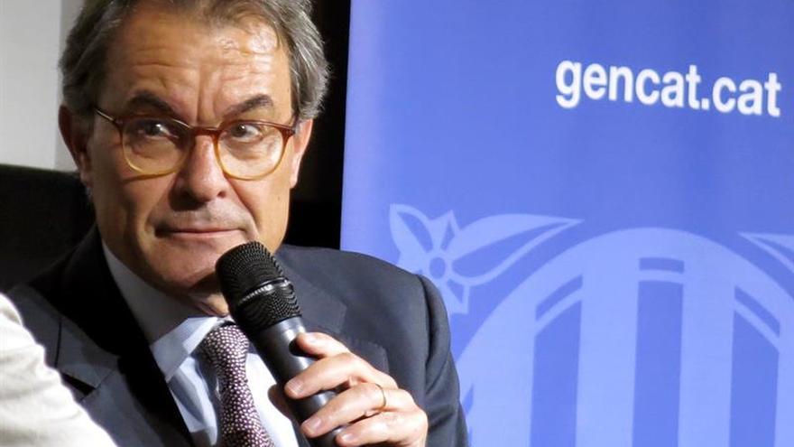 """Societat Civil Catalana denuncia a Mas para que """"devuelva"""" el dinero del 9N"""