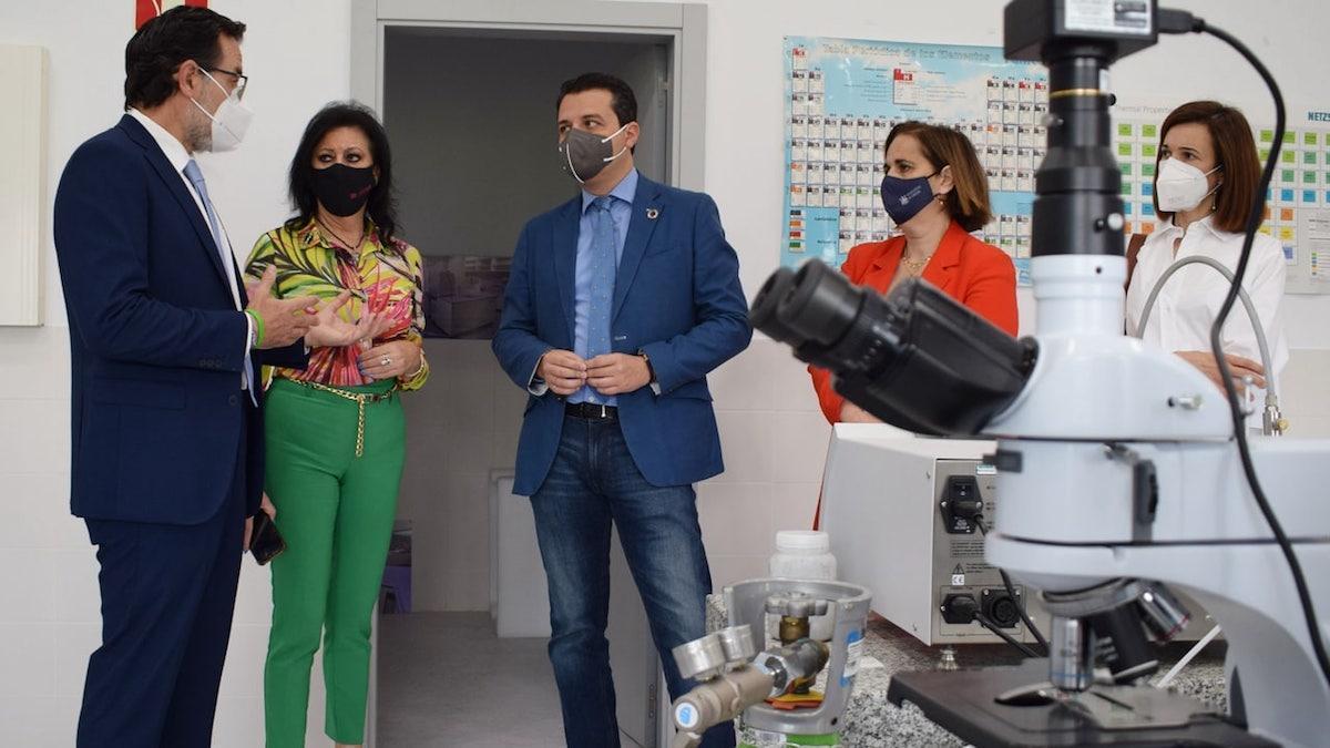 Bellido y Torrent visitan el Centro de Innovación Andaluz para la Construcción Sostenible (Fundación CIAC).