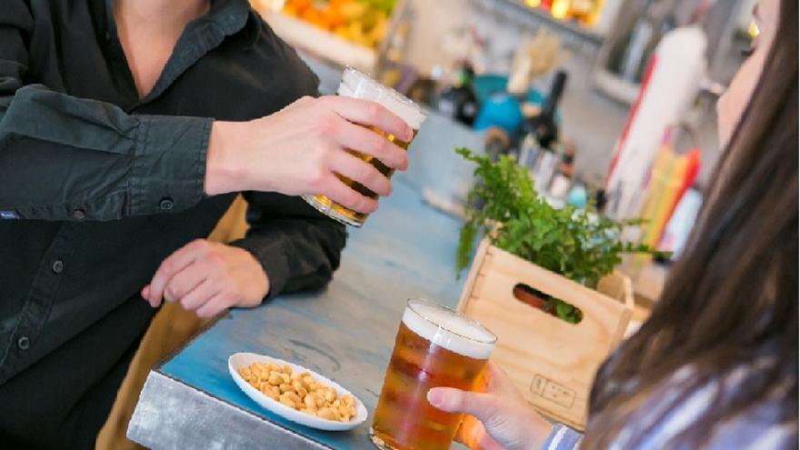 """Los canarios consideran la cerveza como una """"bebida social"""""""