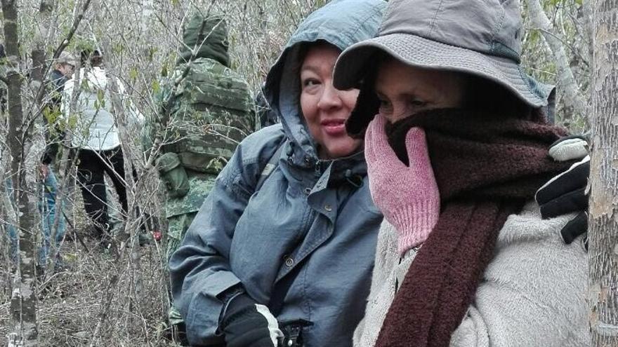 Graciela junto a una compañera durante una búsqueda en el sur de Tamaulipas. Foto: Imagen cedida.
