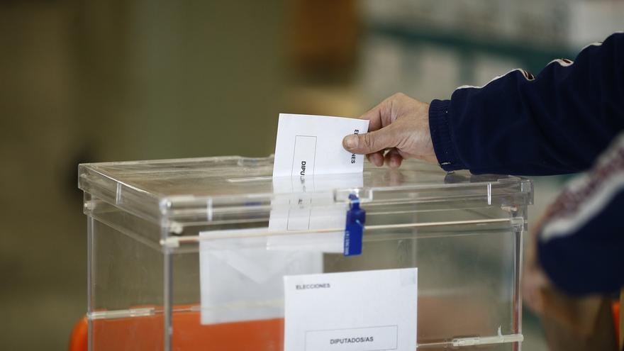 Cantabria empleará smartphones por primera vez para la transmisión de los datos electorales