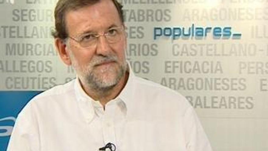 """Rajoy reclama su """"retirada"""" porque son """"un enorme error"""""""
