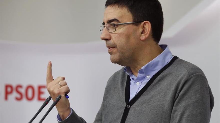 """El PSOE lamenta el """"camino hacia el ridículo"""" de los secesionistas"""