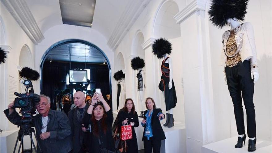 El punk ocupa el museo Metropolitan para explorar su influencia sobre la moda