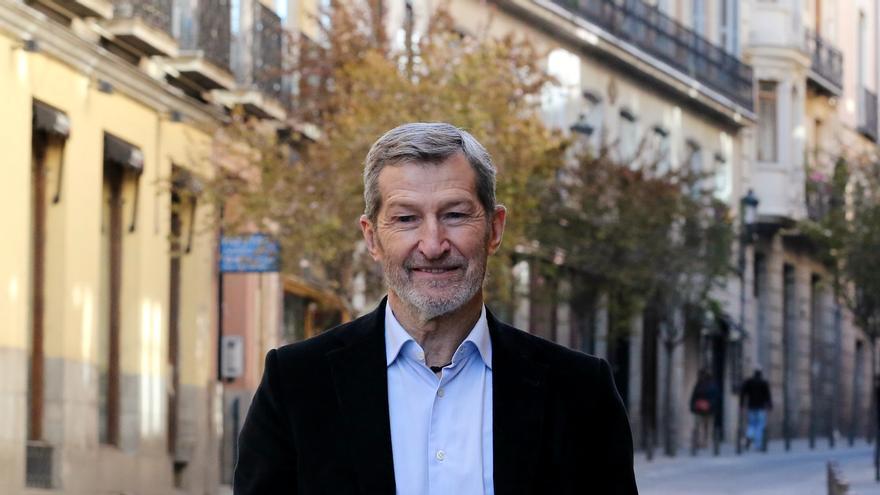 Julio Rodríguez, dirigente de Podemos y exjemad, en el Ateneo de Madrid.