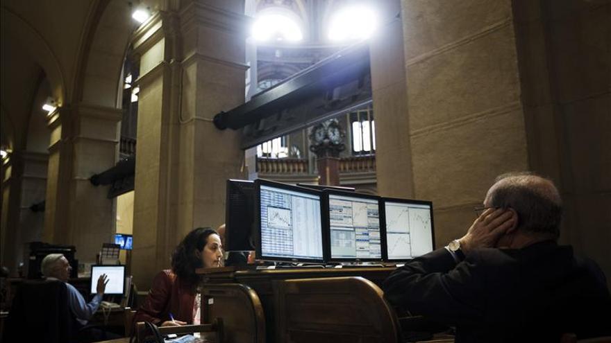 La bolsa española negoció hasta abril un 9,4 por ciento menos que un año antes