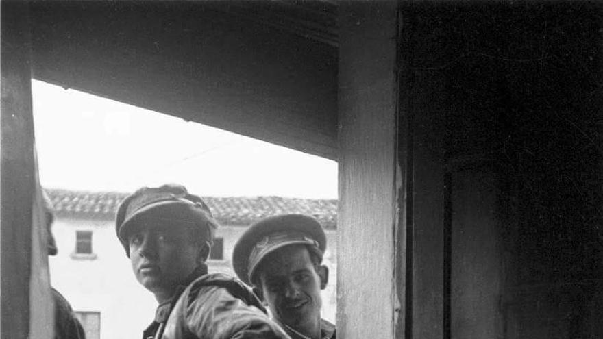 El soldado republicano, fotografiado por el médico polaco Gabriel Ersler.
