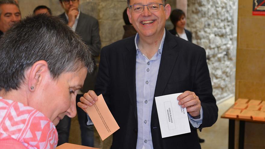 Ximo Puig, votando en Morella (Castellón).
