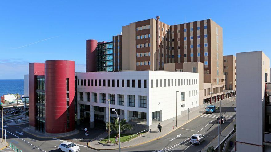 Sanidad eleva a seis los fallecidos por los brotes de coronavirus producidos en el Hospital Insular de Gran Canaria