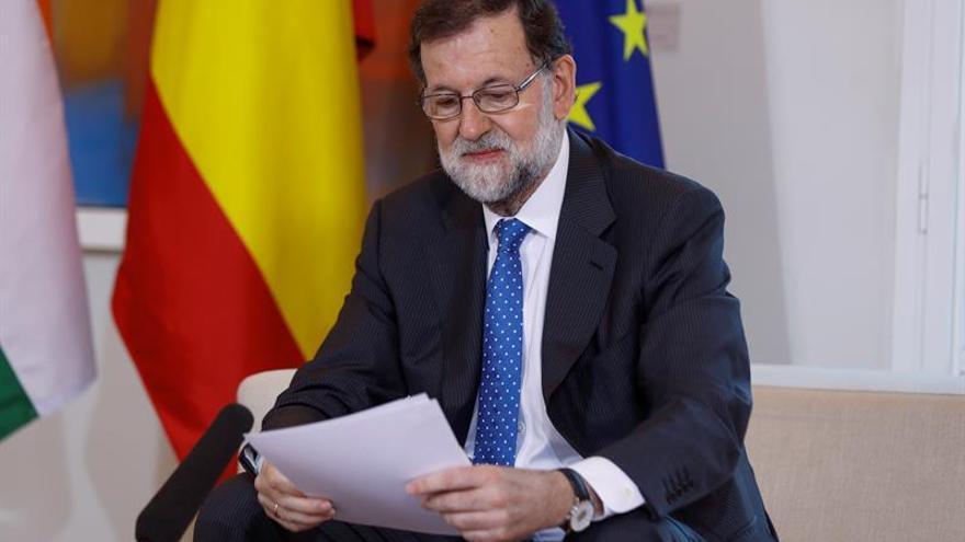Rajoy advierte contra el olvido del gran pacto nacional de hace 40 años