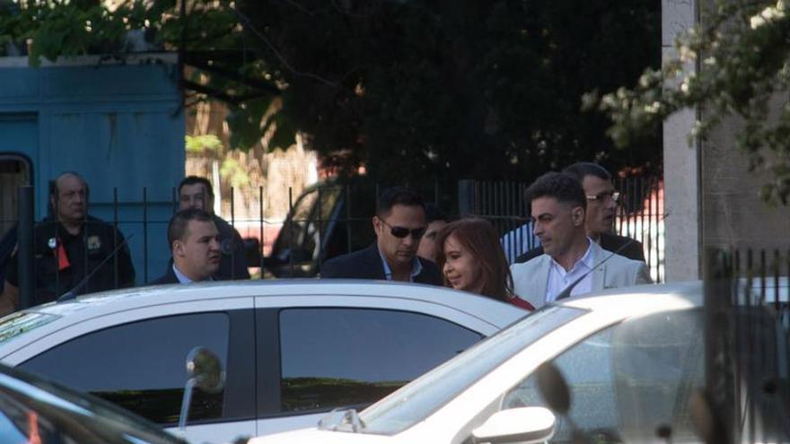 """Cristina Fernández ve """"insólita"""" y """"arbitraria"""" la acusación de lavado de dinero"""